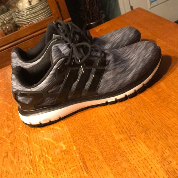 scarpe adidas nuvola di energia poshmark